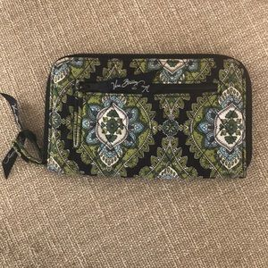 🆕🍁🍎VERA BRADLEY Cambridge Large Zippered Wallet